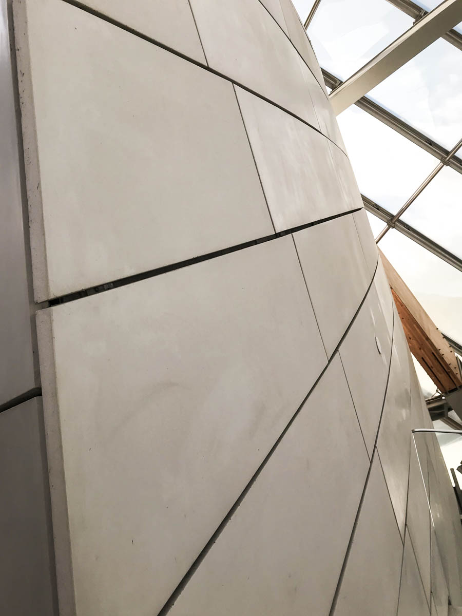 FRANK GEHRY -LOUIS VUITTON FOUNDATION, PARIS - AXT MAGAZINE