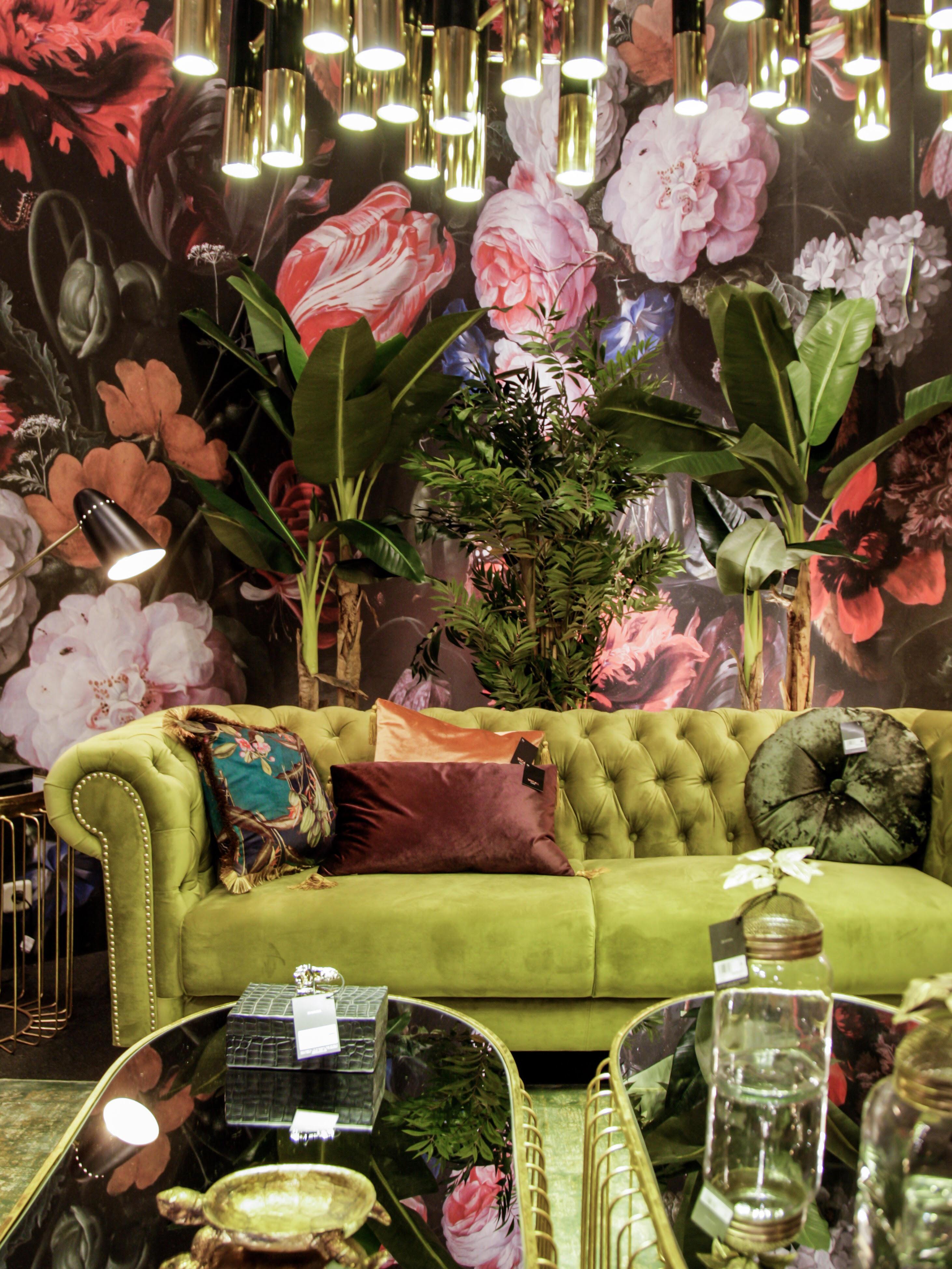 FLORAL WALLPAPER, velvet sofa